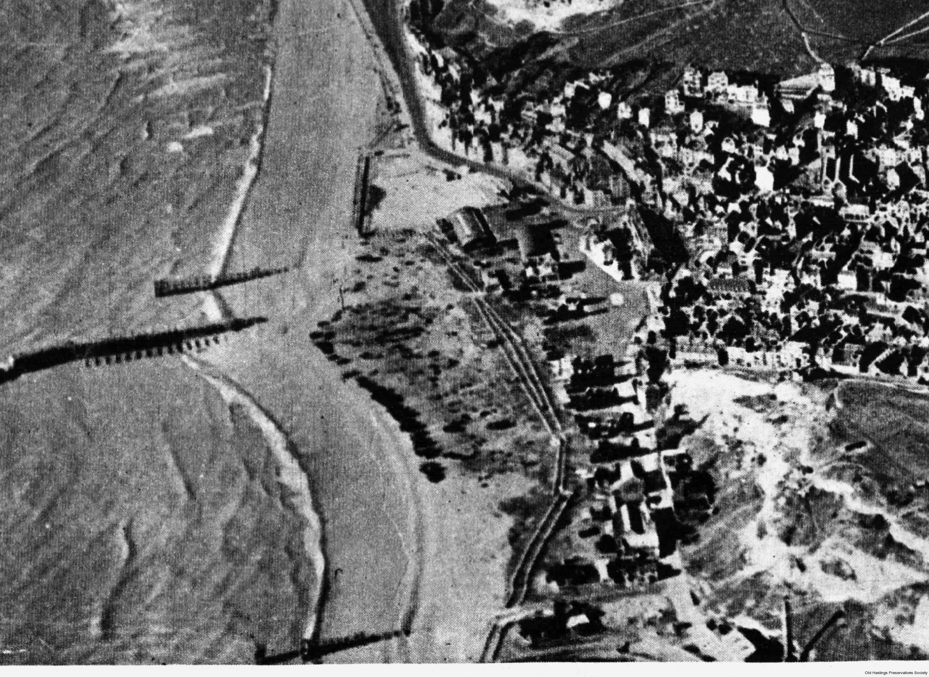 1945 late (b) Tank traps