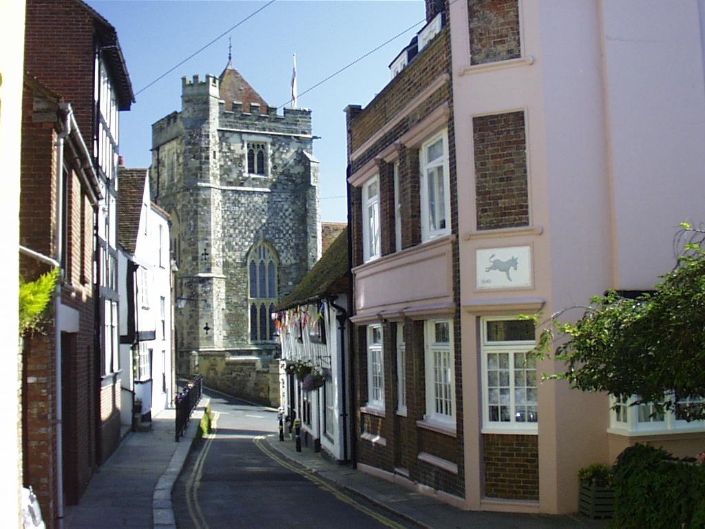 W Hill Street
